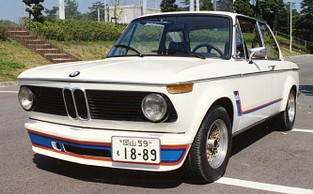 2_1975bmw2002_turbo_3