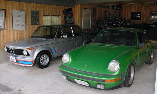 75bmw_2002_turbo_74porsche_911_carr