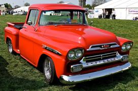 Chevrolet_pick_up_truck__flickr__mi